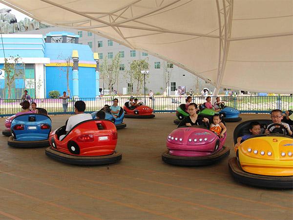 ofrece carros chocones para parques de atracciones parques infantiles