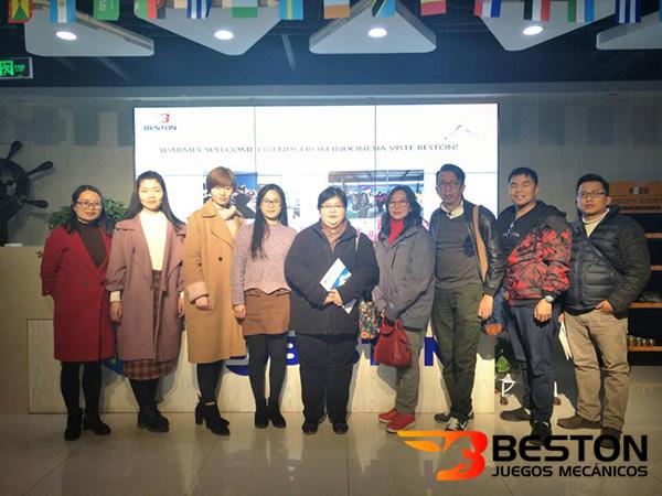 Bienvenidos a los Clientes de Indonesia Para Visitar Beston Juegos Mecánicos