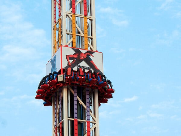 Torre de Caída Libre - Beston Fabricante de Juegos Mecánicos